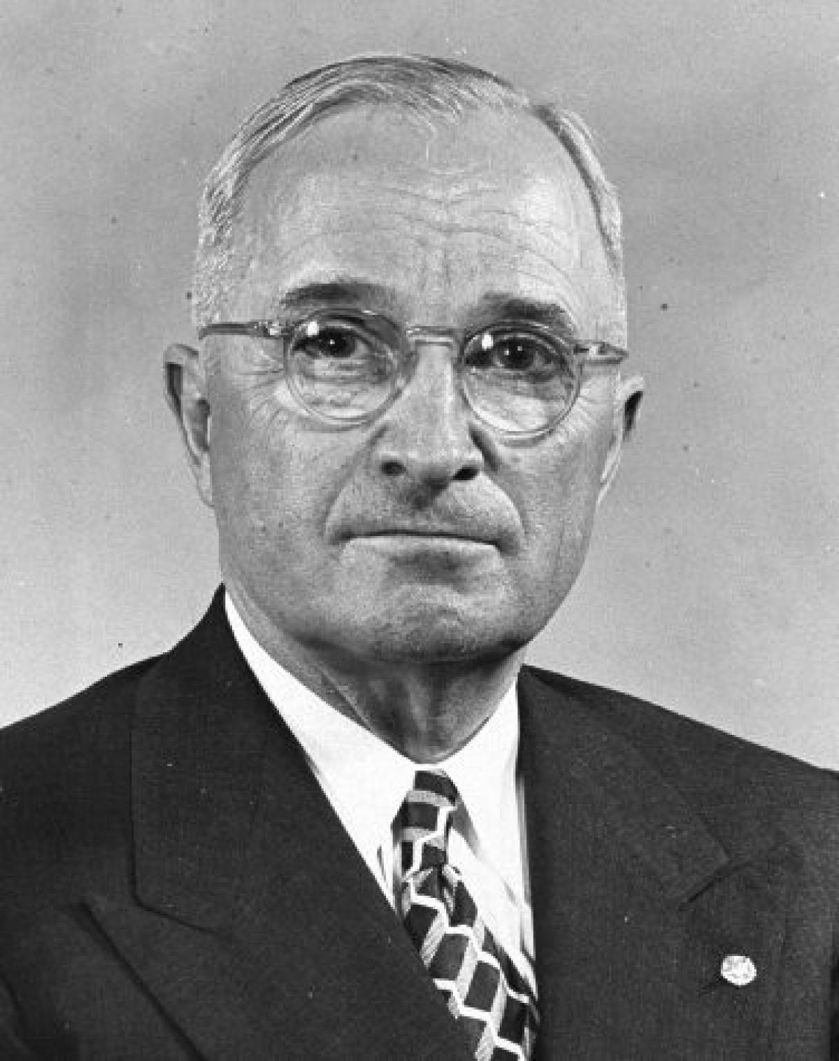 analyzing president trumans views on the korean war Us president truman, not the un, appointed general macarthur as  sources a  and b agree or disagree about america's involvement in the korean war.