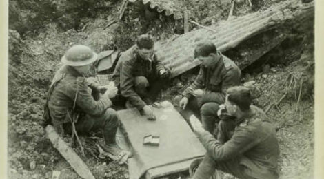 Soldiers at war gambling